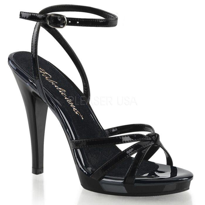 FLAIR-436 Zwart imi-lak sandaaltje met enkelband en naaldhak.